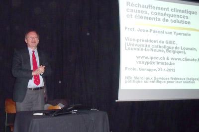 Jean-Pascal Van Ypersele le vendredi 27 janvier à Genappe : après Durban, le point sur le réchauffement climatique.  AU TOF THEATRE